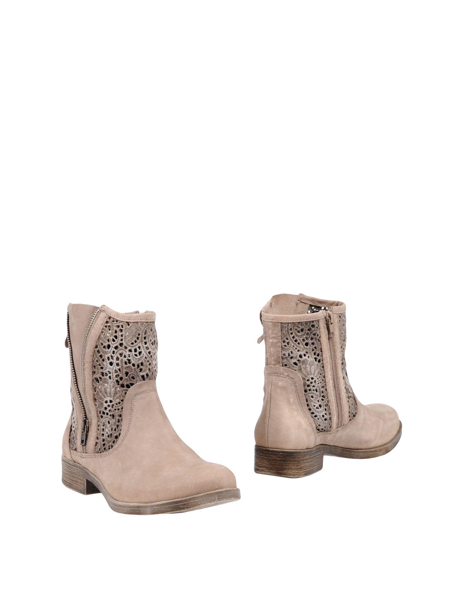 купить YKX & CO. by FANTASY Полусапоги и высокие ботинки по цене 5250 рублей