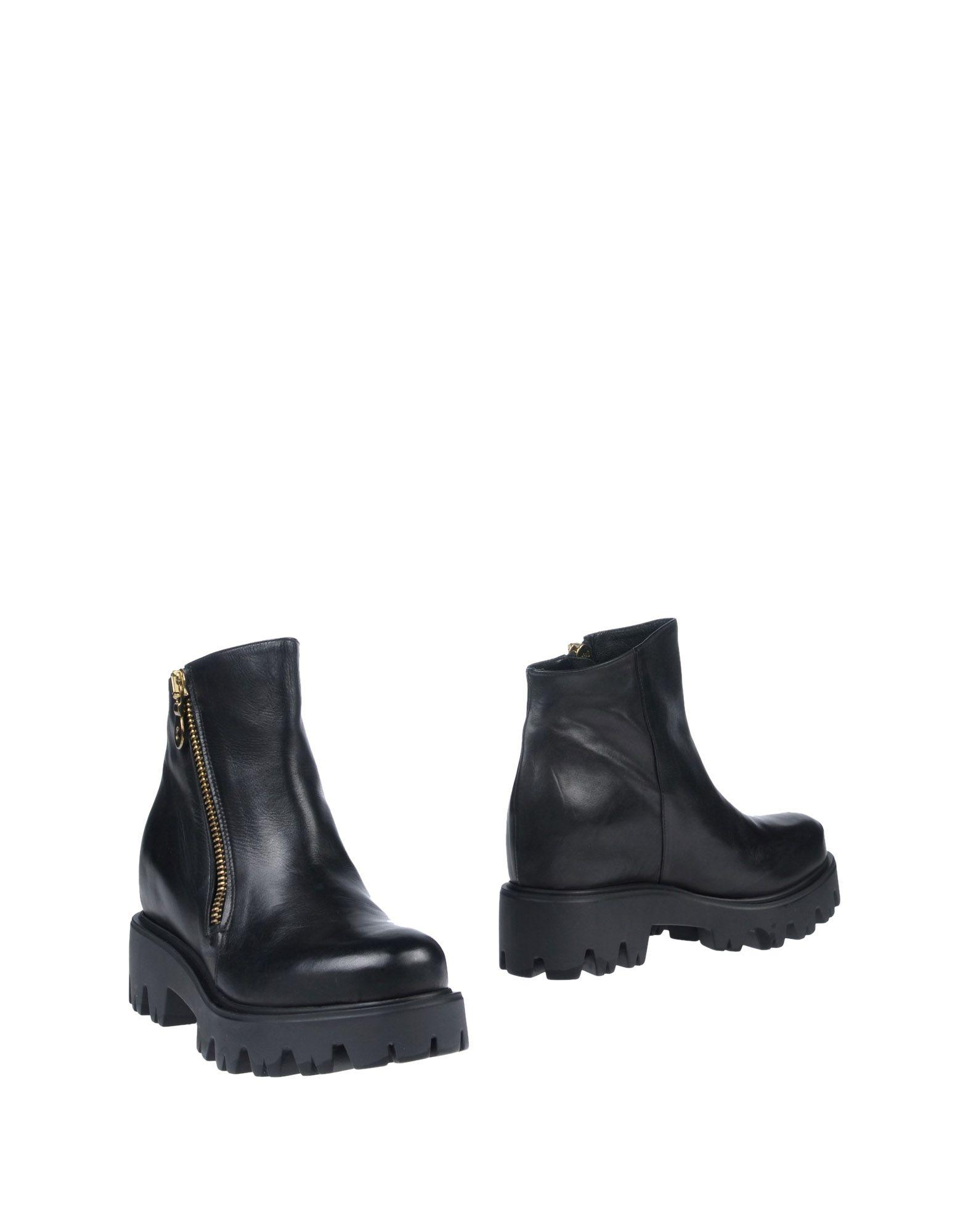 CARRIE LATT Полусапоги и высокие ботинки theodore dreiser sister carrie