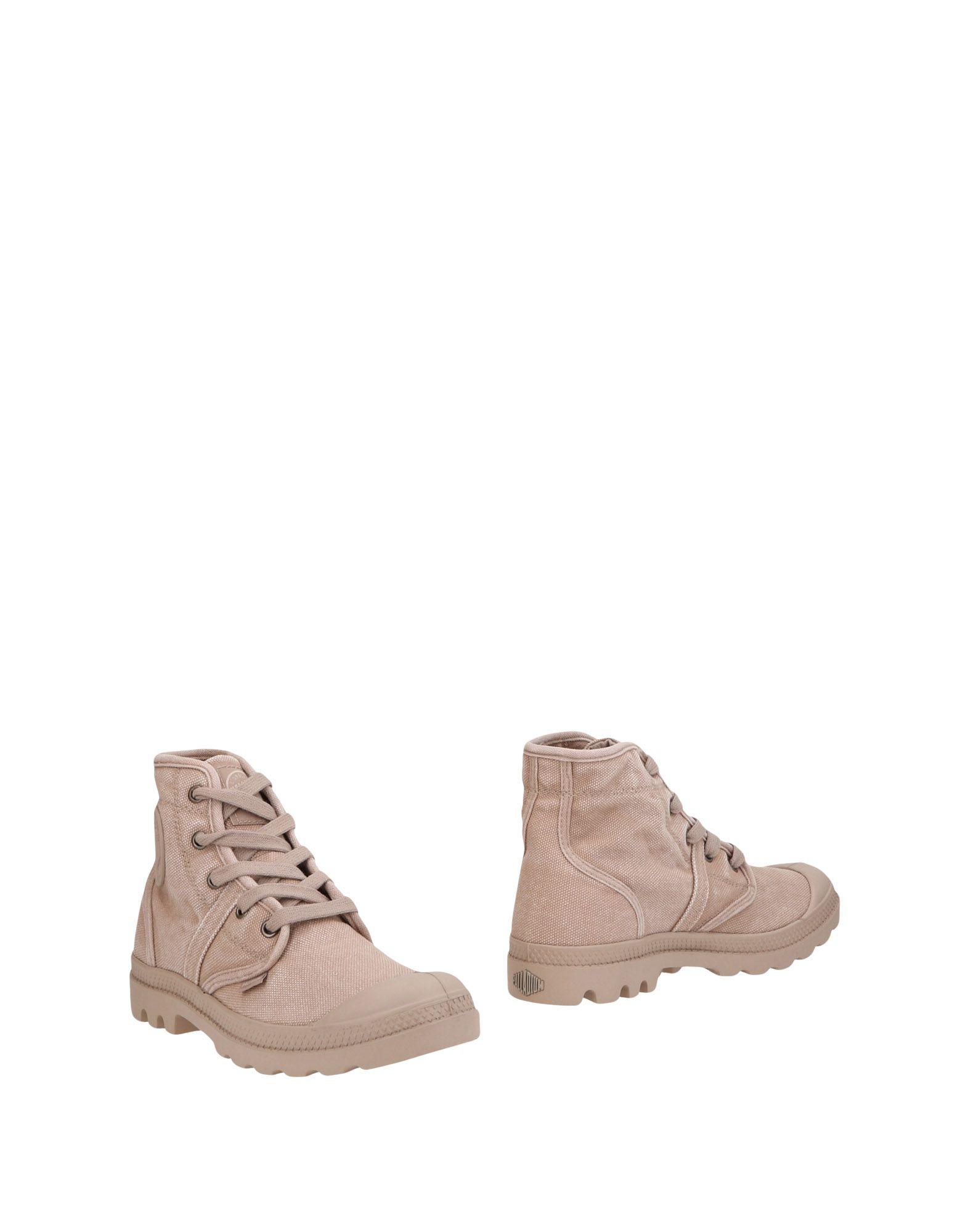 PALLADIUM Ankle Boot in Dove Grey