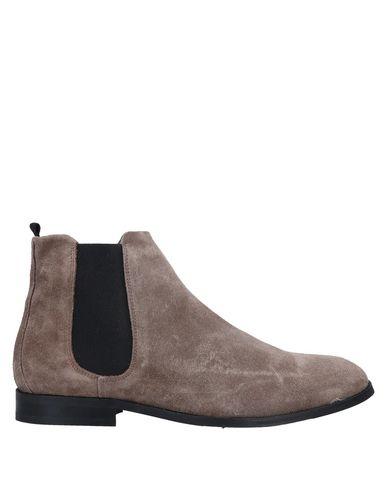 Купить Полусапоги и высокие ботинки от ROYAL REPUBLIQ цвет голубиный серый