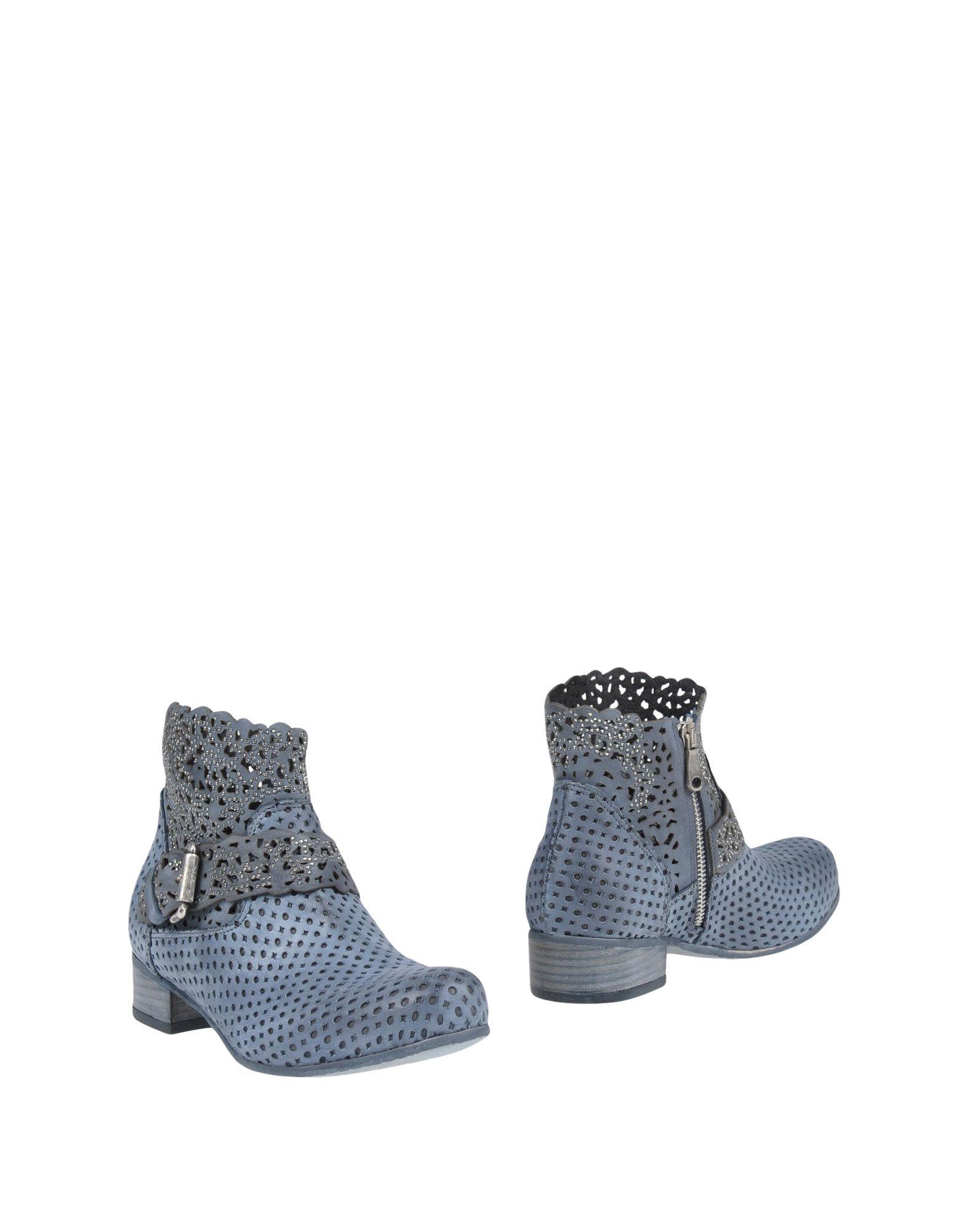 VIVIAN Полусапоги и высокие ботинки сапоги vivian royal vivian royal vi809awyie50