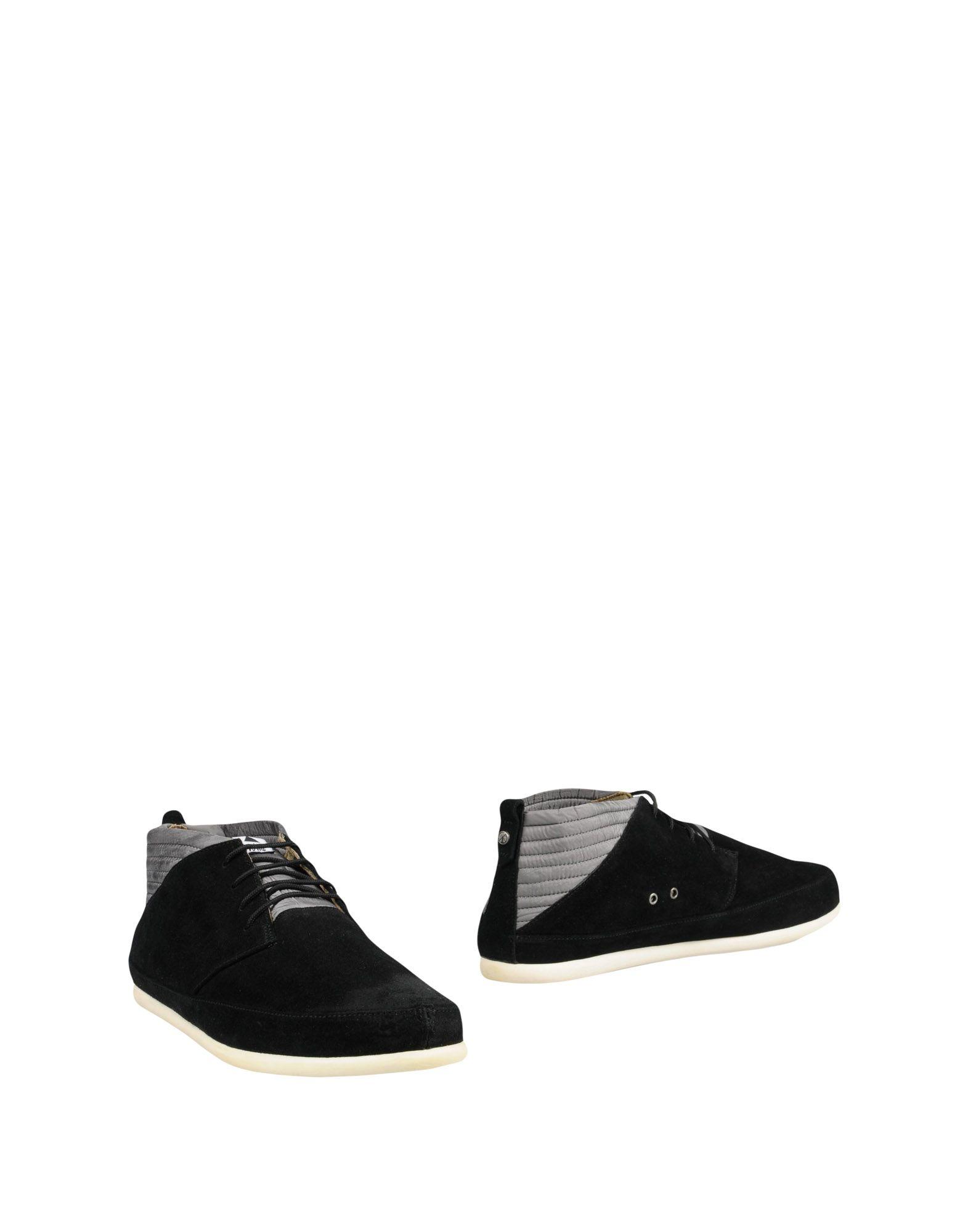 VOLTA Boots in Black