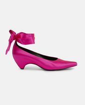 Bow-Tied Satin Pumps in Pink