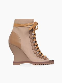 River wedge boot