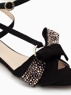 Queenie flat sandal