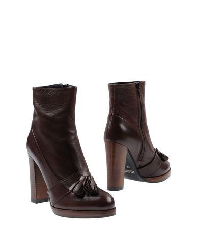 Полусапоги и высокие ботинки от ALICE SHOES