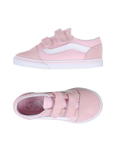 Фото - Низкие кеды и кроссовки розового цвета