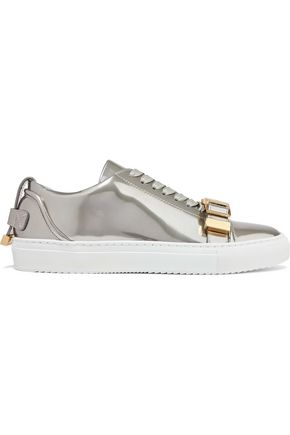 WOMAN BUCKLED MIRRORED-LEATHER SNEAKERS PLATINUM