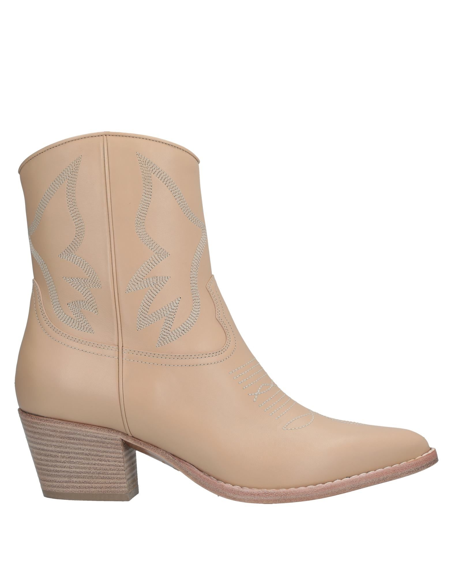 Woman Texan Embroidered Leather Ankle Boots Beige