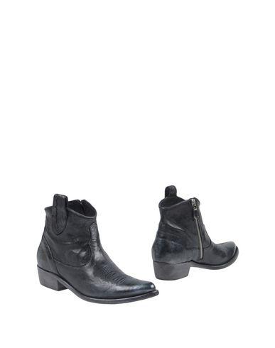 Полусапоги и высокие ботинки от 1725.A