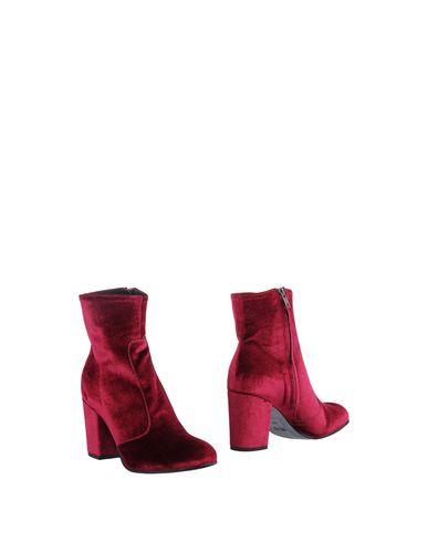 Купить Полусапоги и высокие ботинки от LEMARÉ красно-коричневого цвета