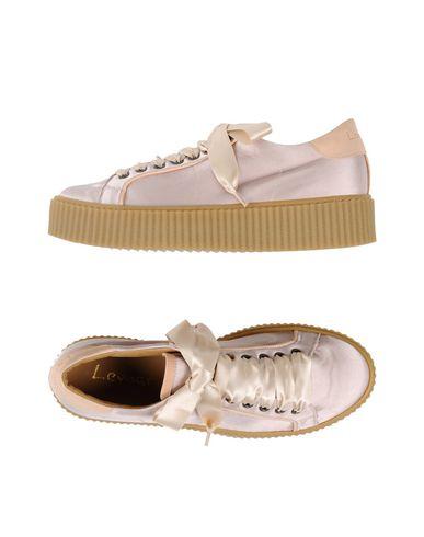 Фото - Низкие кеды и кроссовки от LEMARÉ цвет телесный