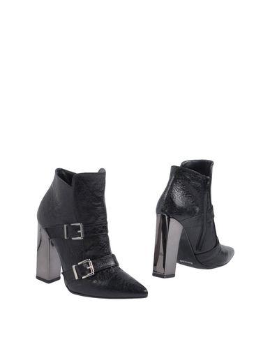 Полусапоги и высокие ботинки от LE STELLE