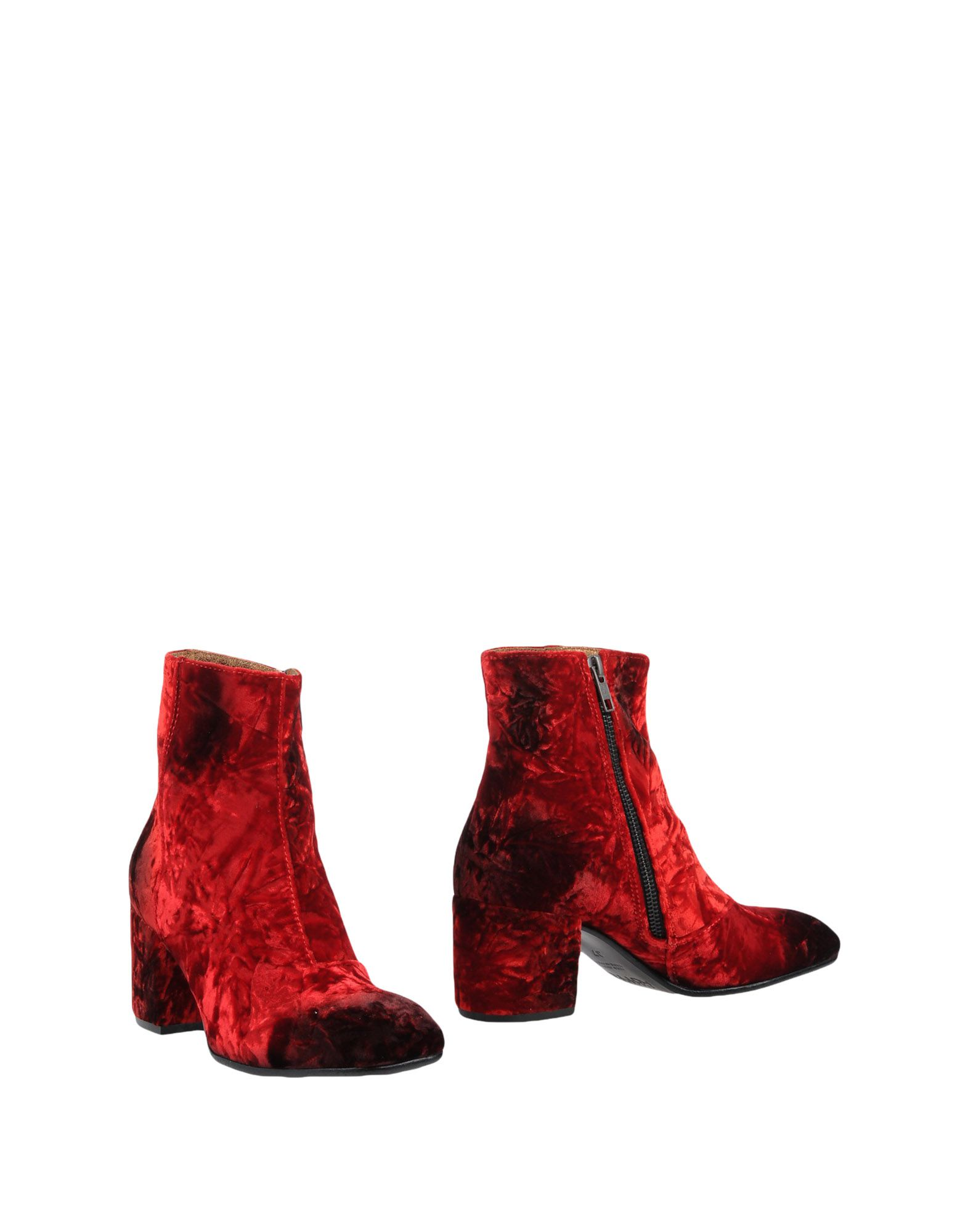 Alexander Hotto Ankle Boot In Red
