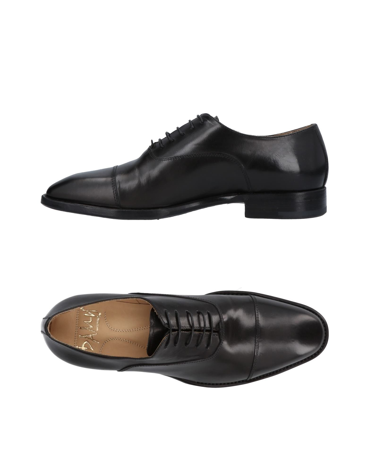 DAMY Laced Shoes in Black