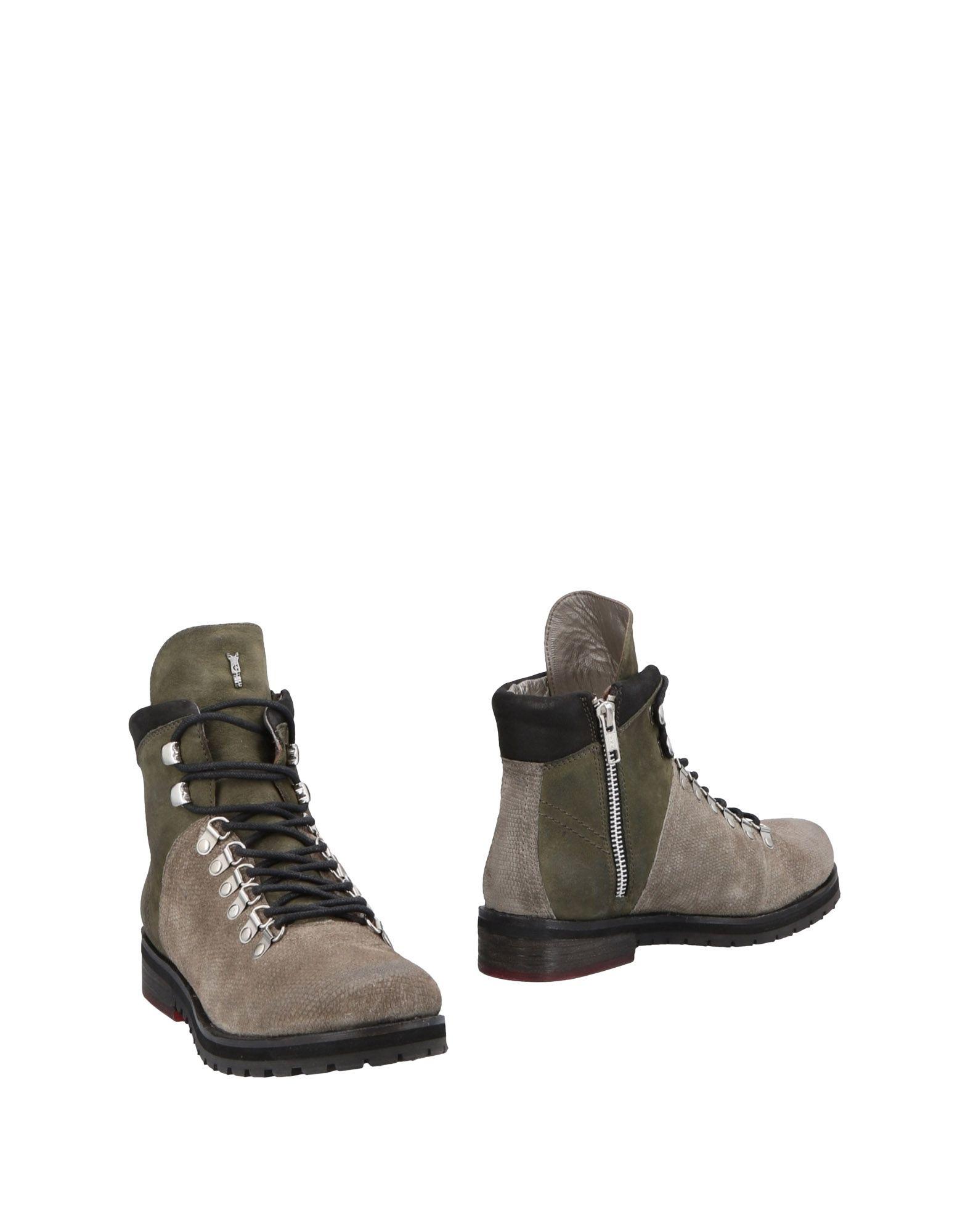CRIME London Полусапоги и высокие ботинки considering environmental war crime