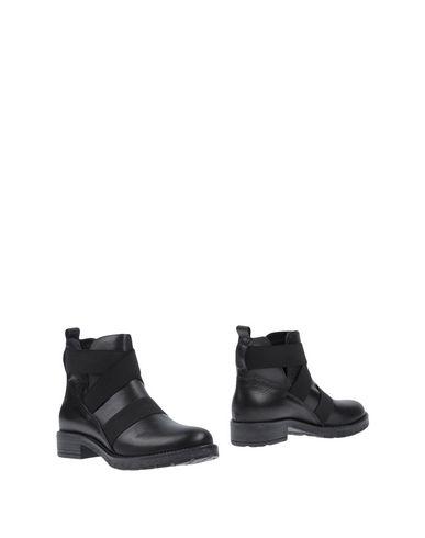 Купить Полусапоги и высокие ботинки от PAOLA FIRENZE черного цвета