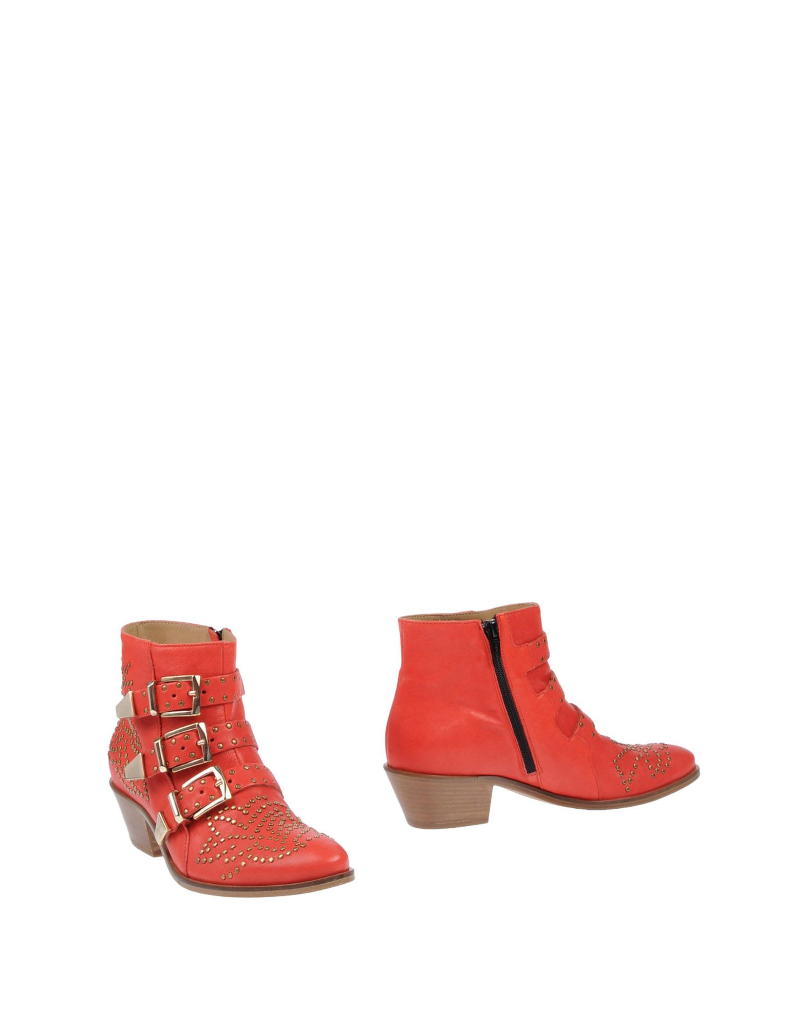 LEMARÉ Ankle Boot in Red