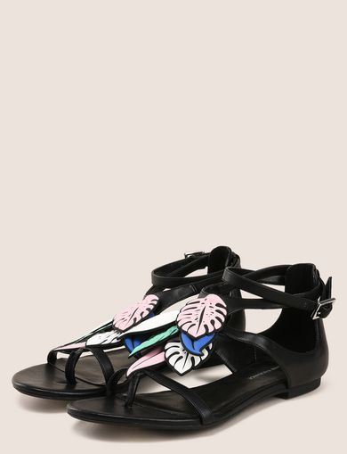LEAF CHARM STRAPPY SANDALS