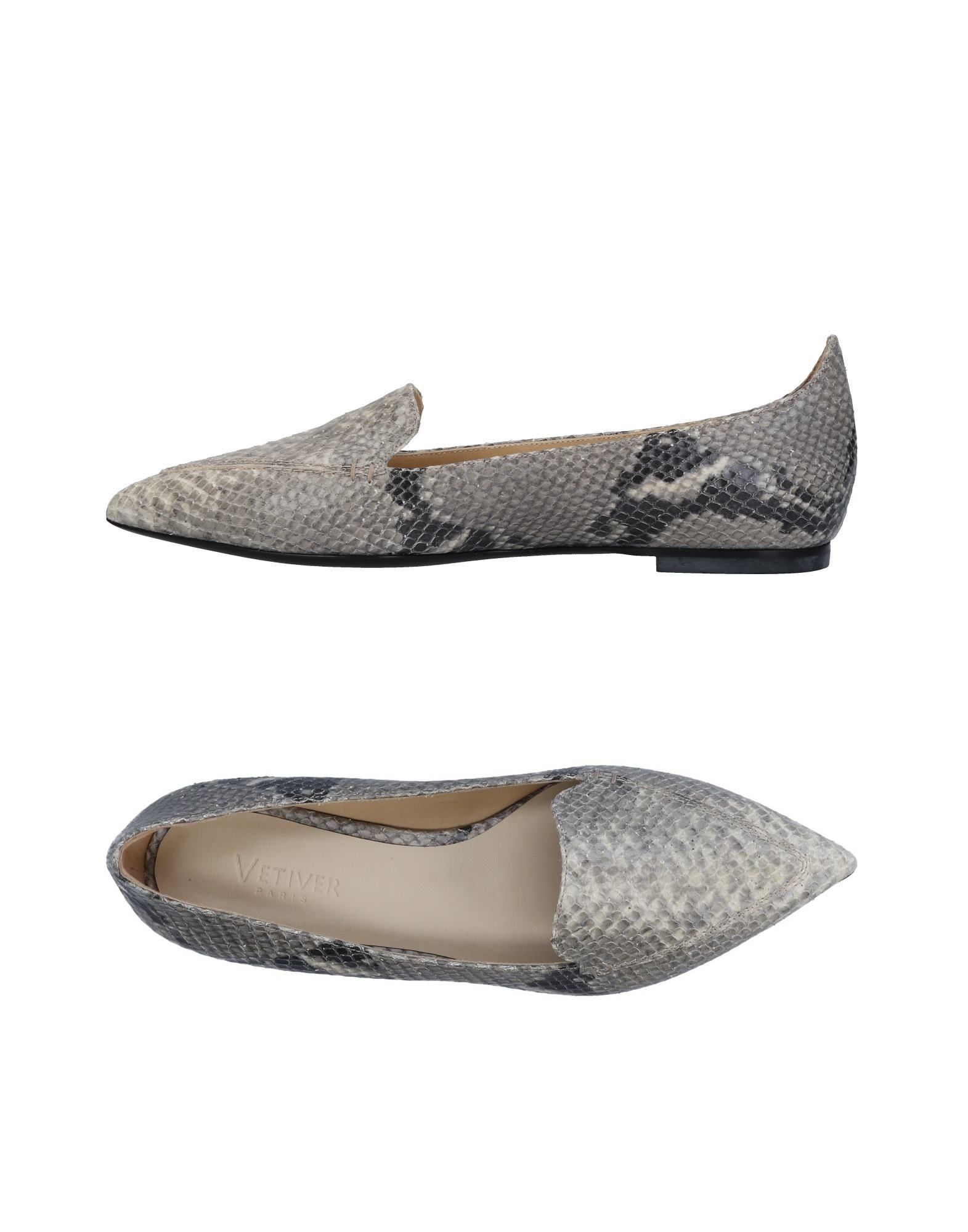 VETIVER Loafers in Light Grey