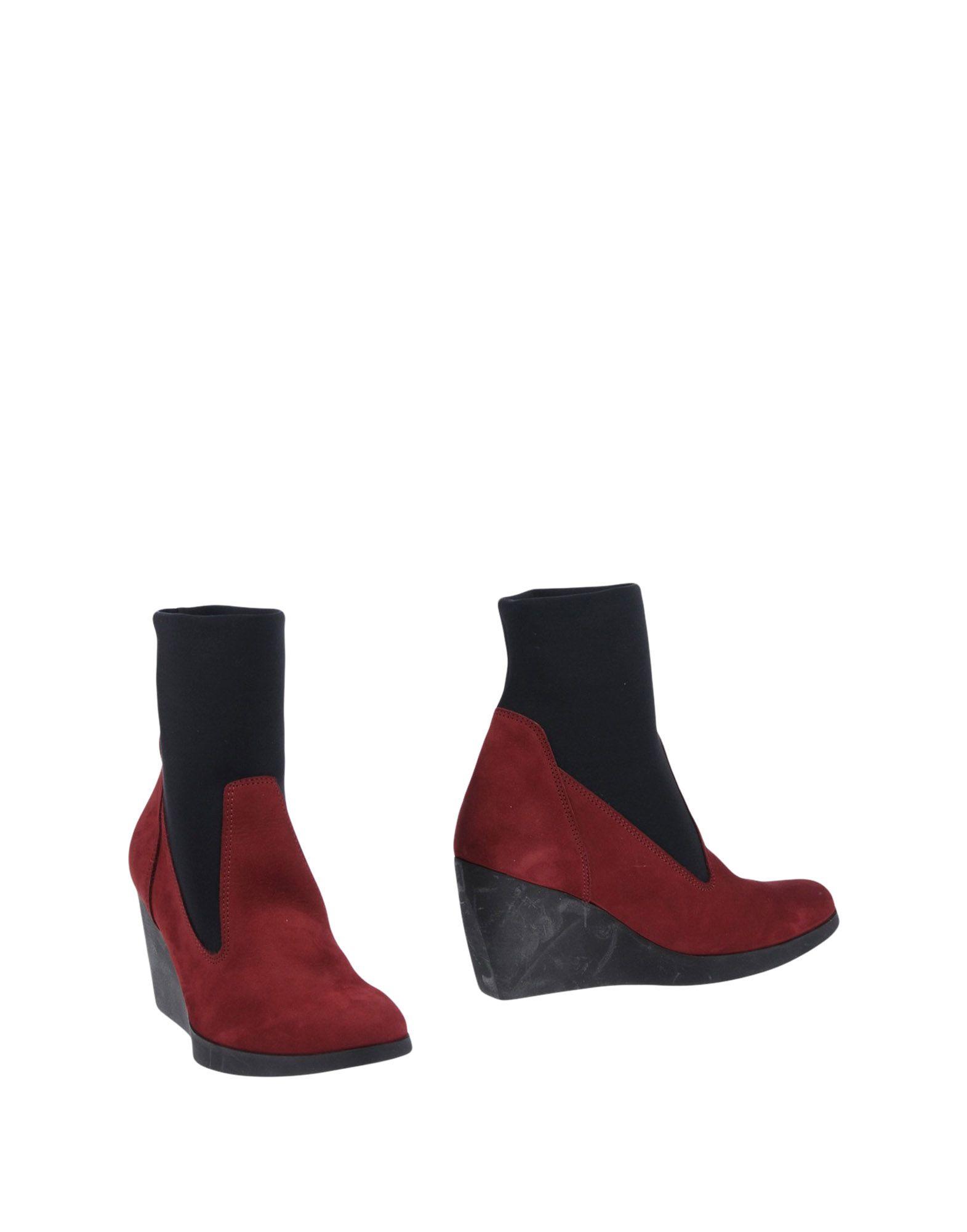ARCHE Полусапоги и высокие ботинки