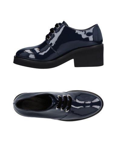 Фото - Обувь на шнурках от VIC MATIĒ темно-синего цвета