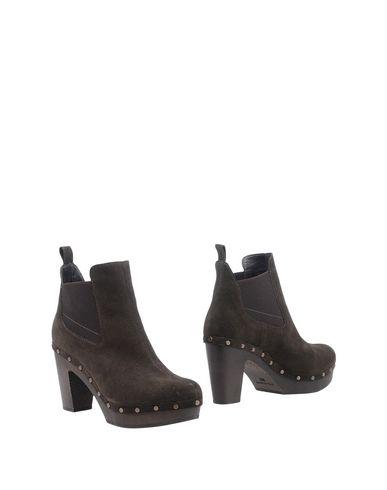 Полусапоги и высокие ботинки от ARGILA
