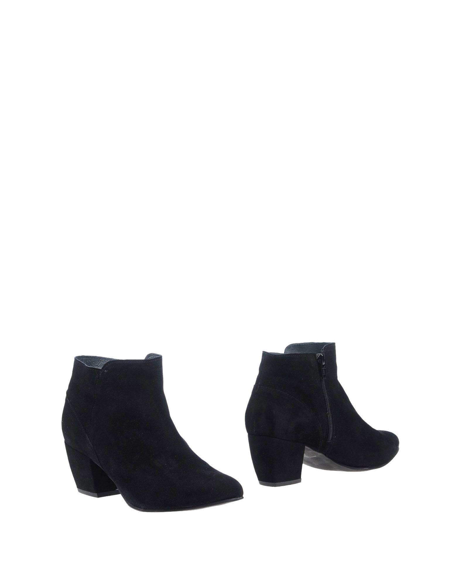 YVES DESFARGE Ankle Boot in Black