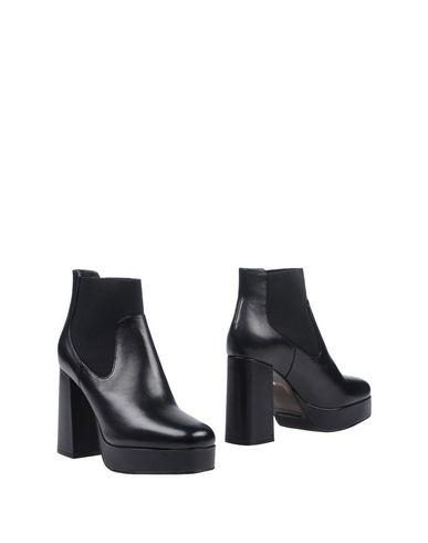 Полусапоги и высокие ботинки от ELVIO ZANON