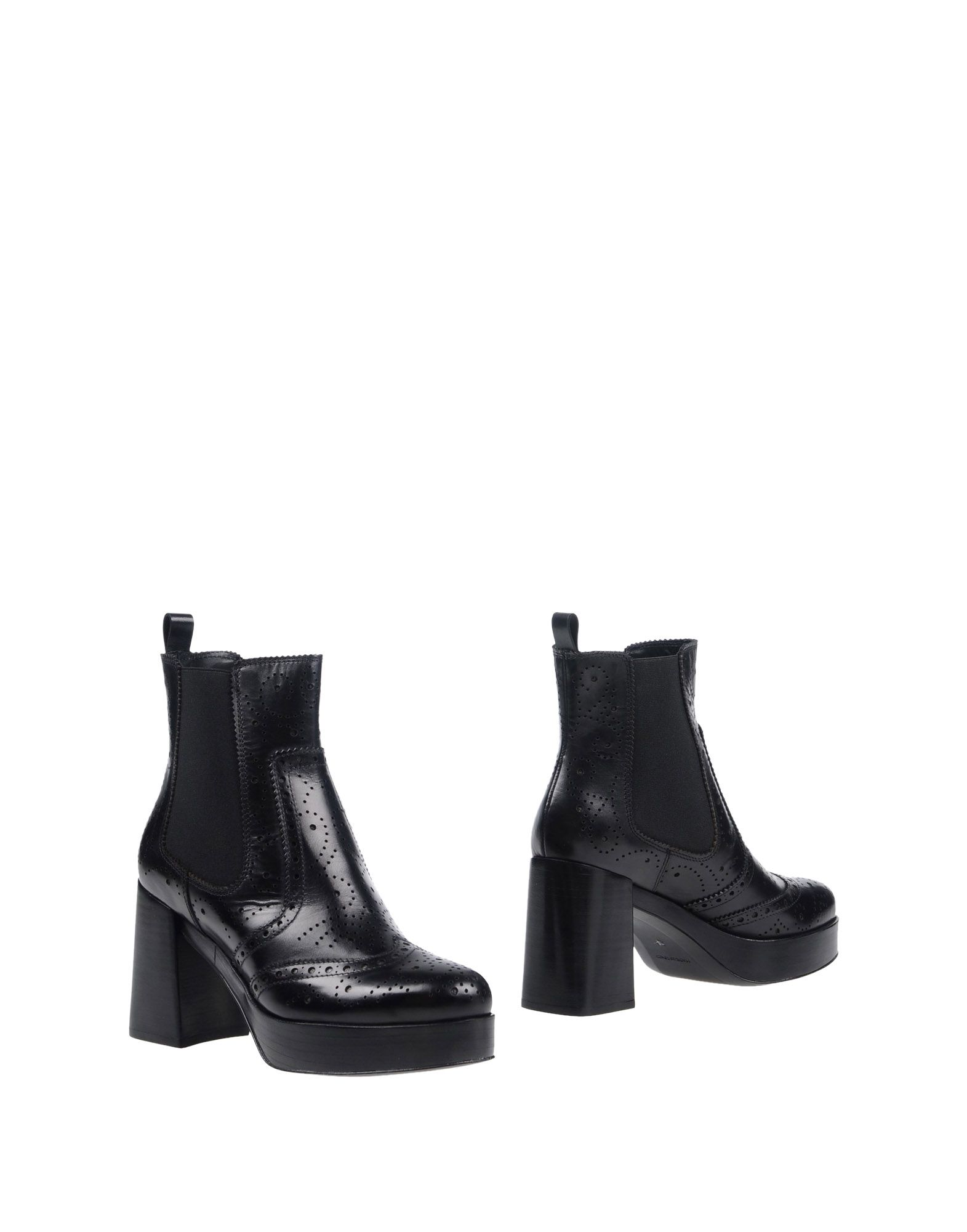 PONS QUINTANA Ankle Boot in Black
