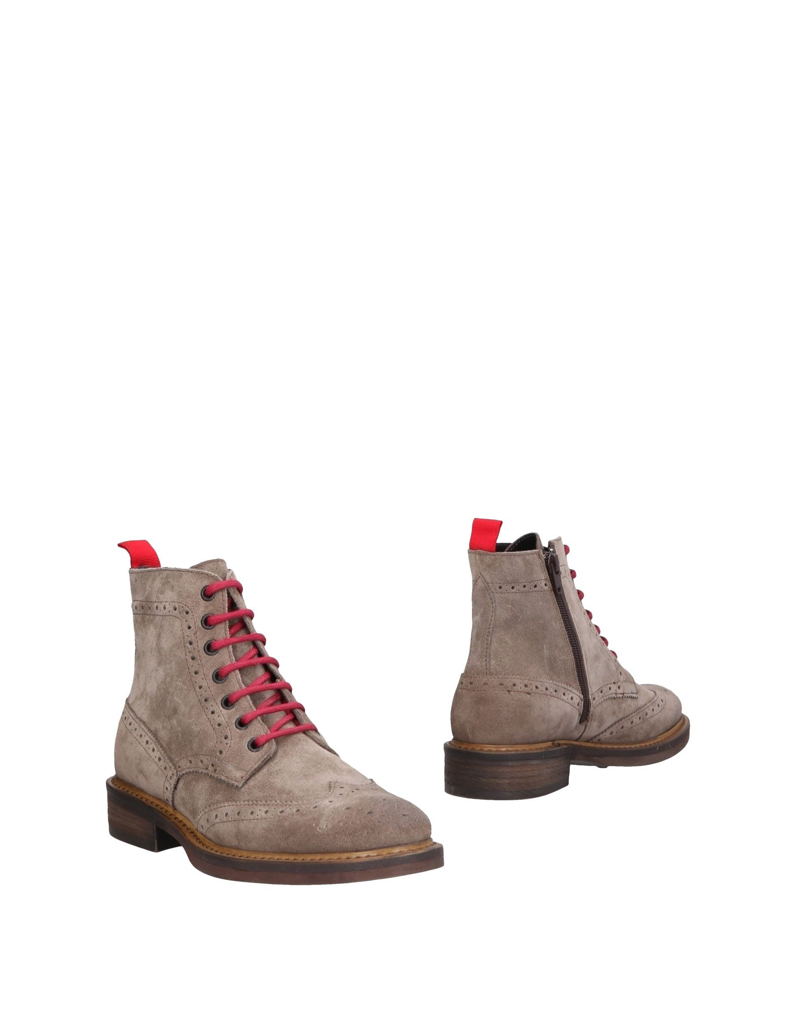 DAMA Ankle Boots in Grey