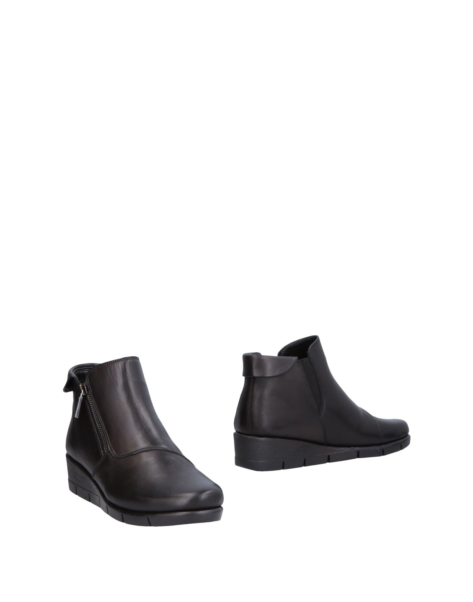 THE FLEXX Ankle boots. leather, no appliqués, solid color, zip, round toeline, wedge heel, leather lining, rubber sole, contains non-textile parts of animal origin. Soft Leather