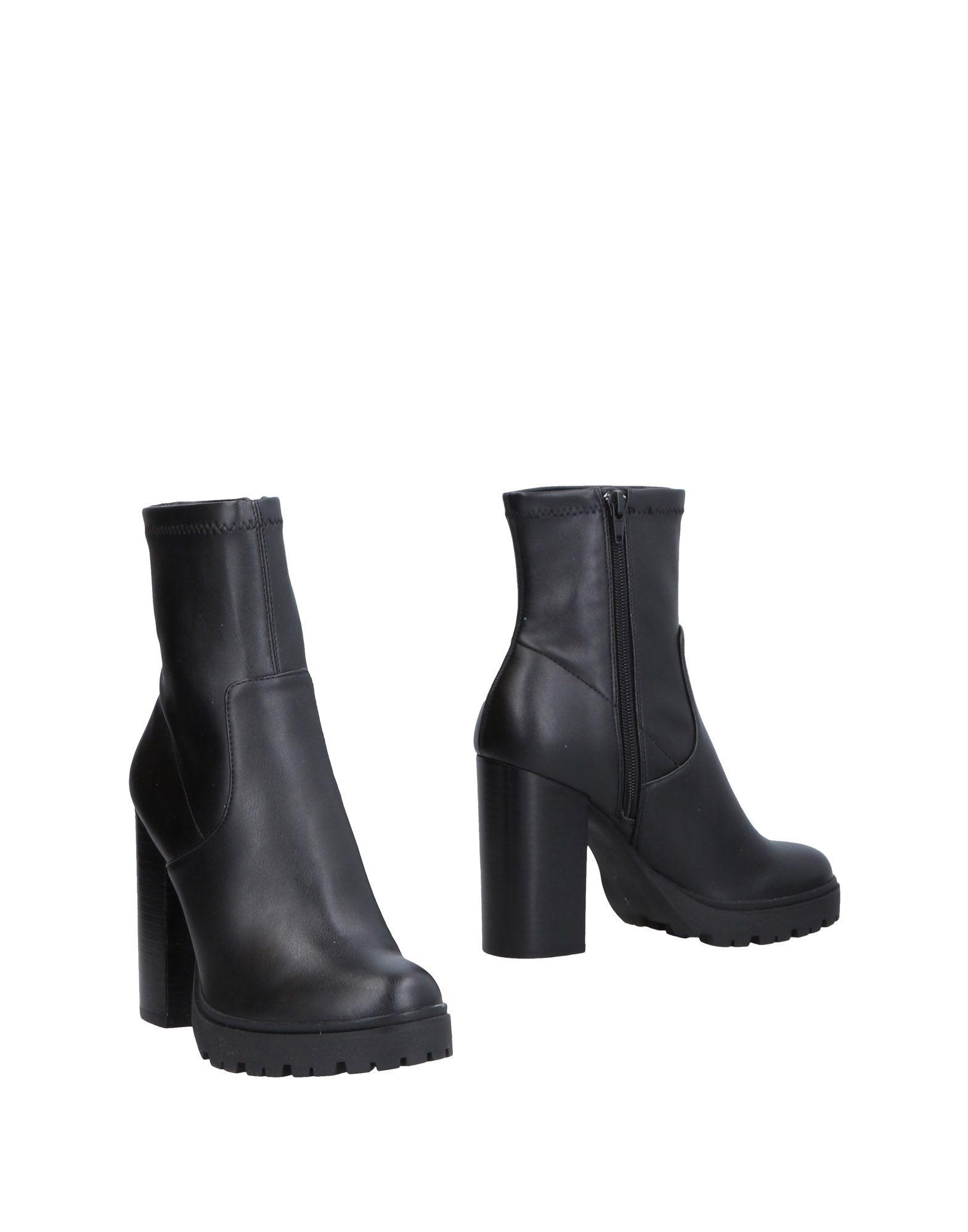 《送料無料》STEVE MADDEN レディース ショートブーツ ブラック 37.5 紡績繊維
