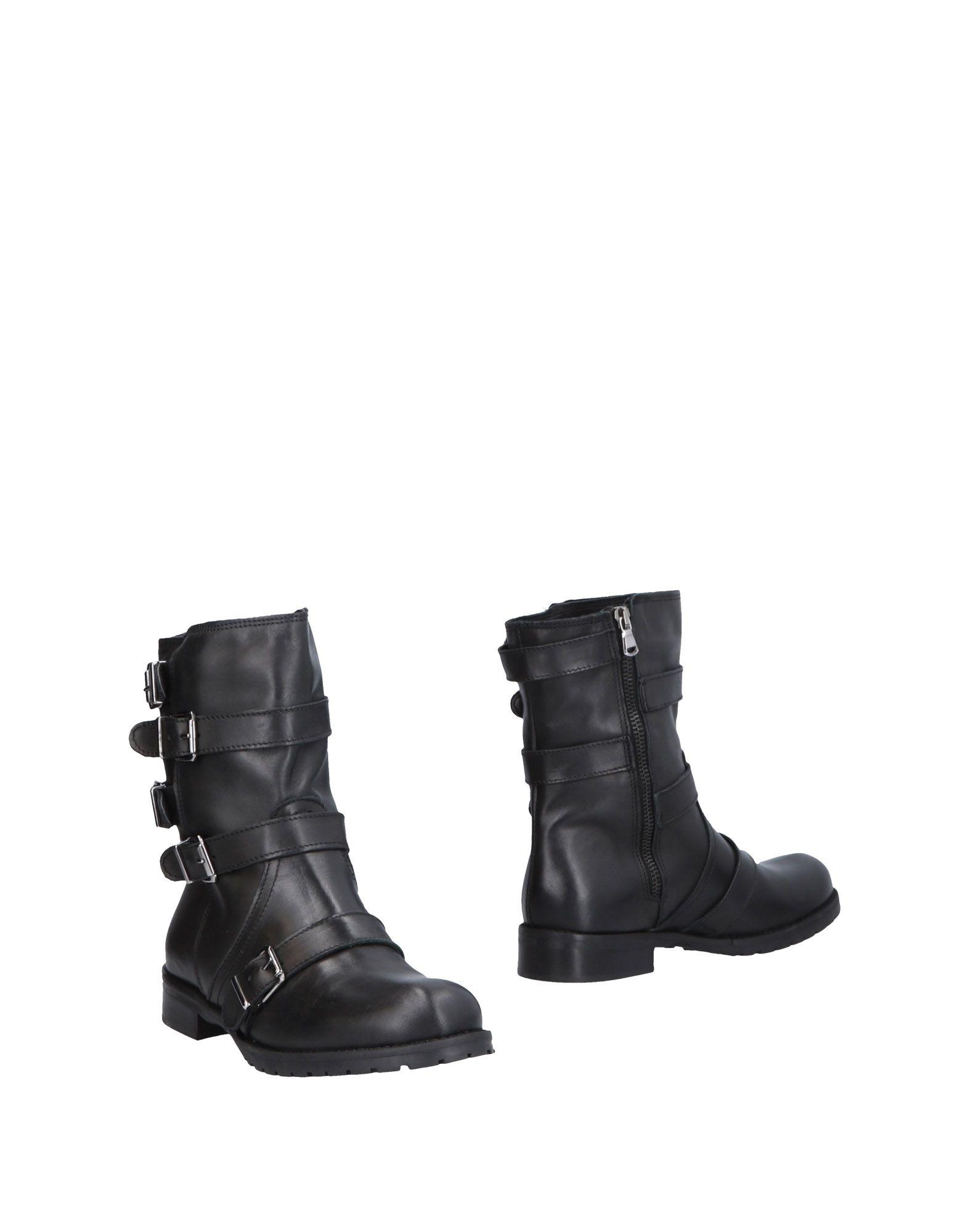 GENEVE Полусапоги и высокие ботинки