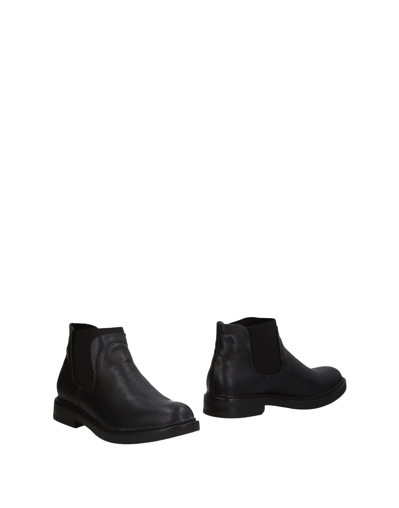 STELLABERG Полусапоги и высокие ботинки