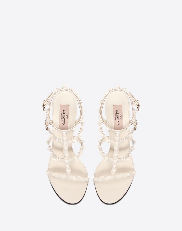 Lacquer Stud Rockstud Caged Sandal 100 mm