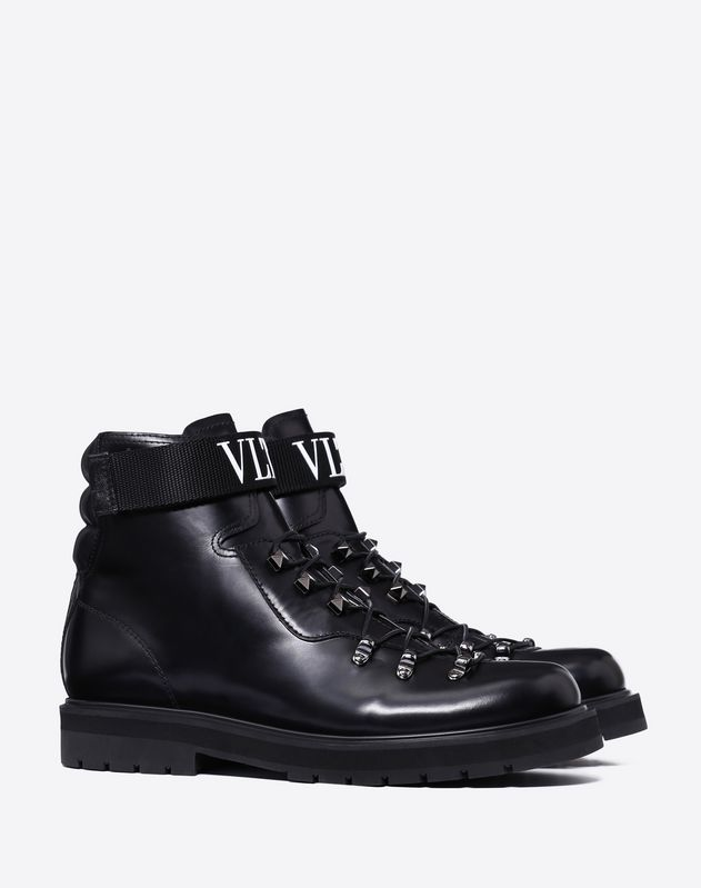VLTN BRUSH-OFF CALFSKIN BOOTS
