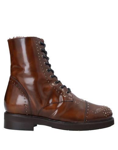 Купить Полусапоги и высокие ботинки от HORO NERO коричневого цвета