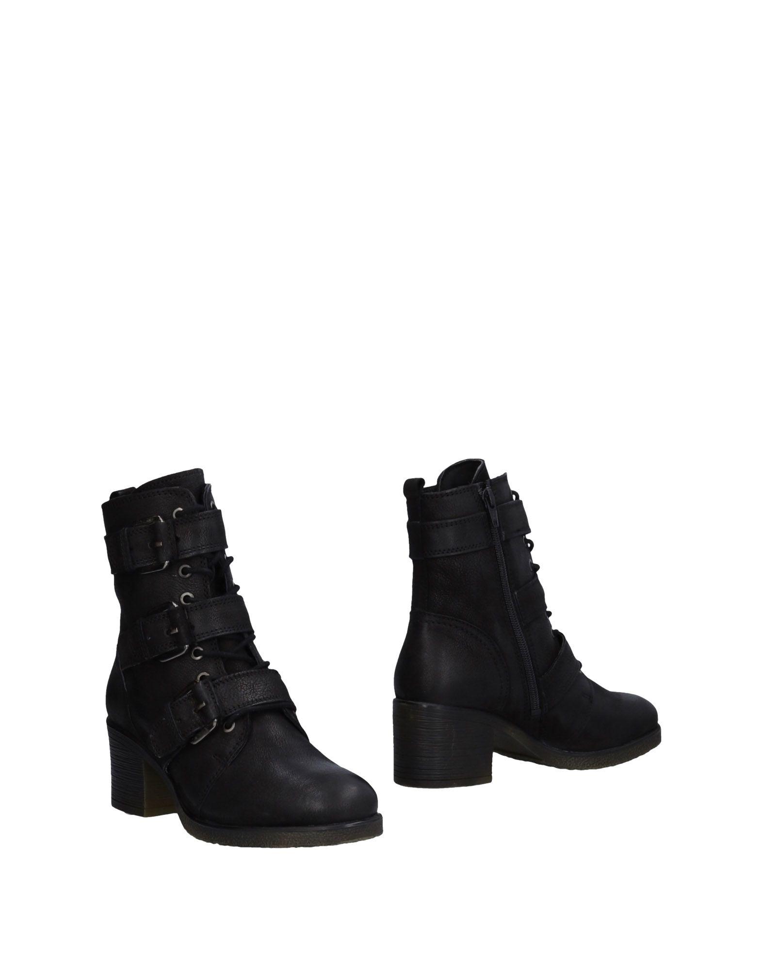 CARMELA Полусапоги и высокие ботинки