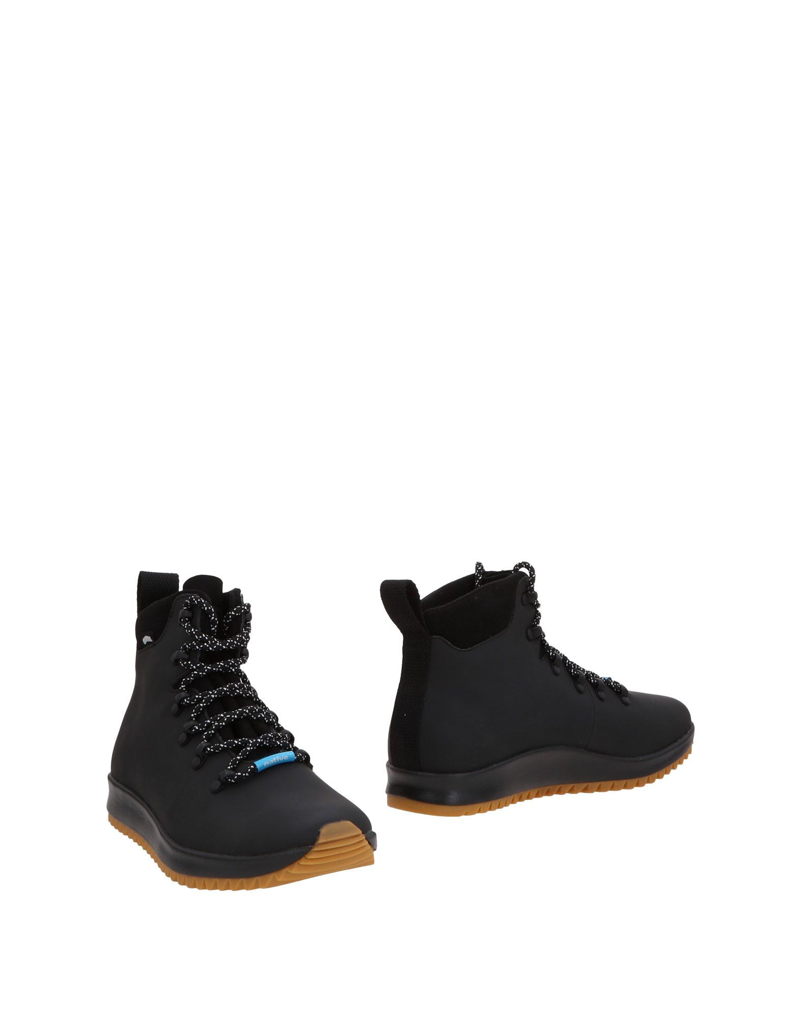 NATIVE Boots in Black
