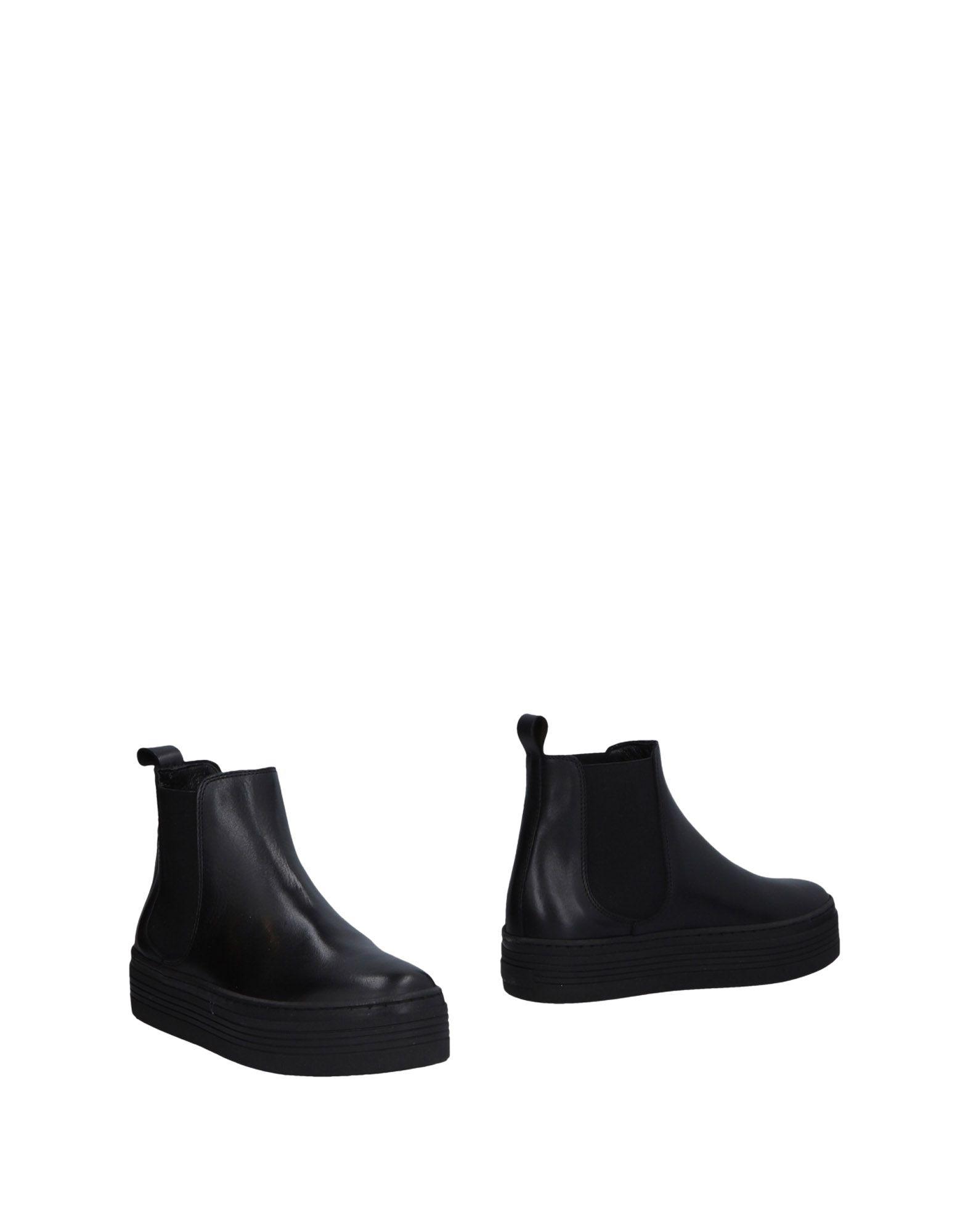 MALLY Полусапоги и высокие ботинки