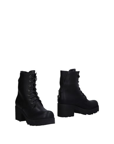 Полусапоги и высокие ботинки POLICE 883