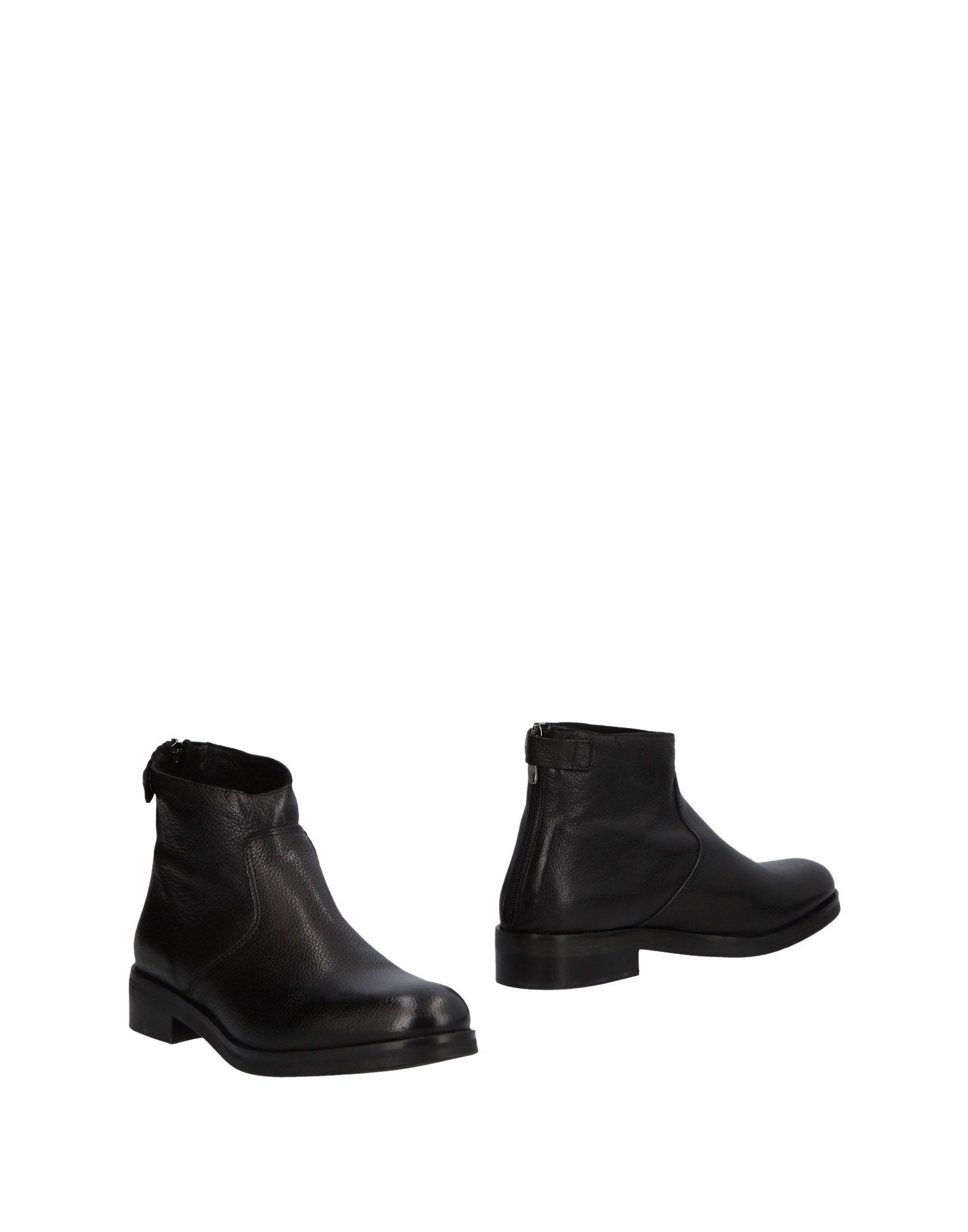 COACH Полусапоги и высокие ботинки