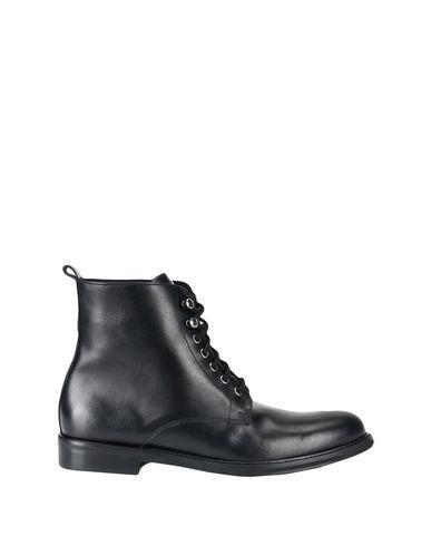 Фото - Полусапоги и высокие ботинки от YLATI HERITAGE черного цвета