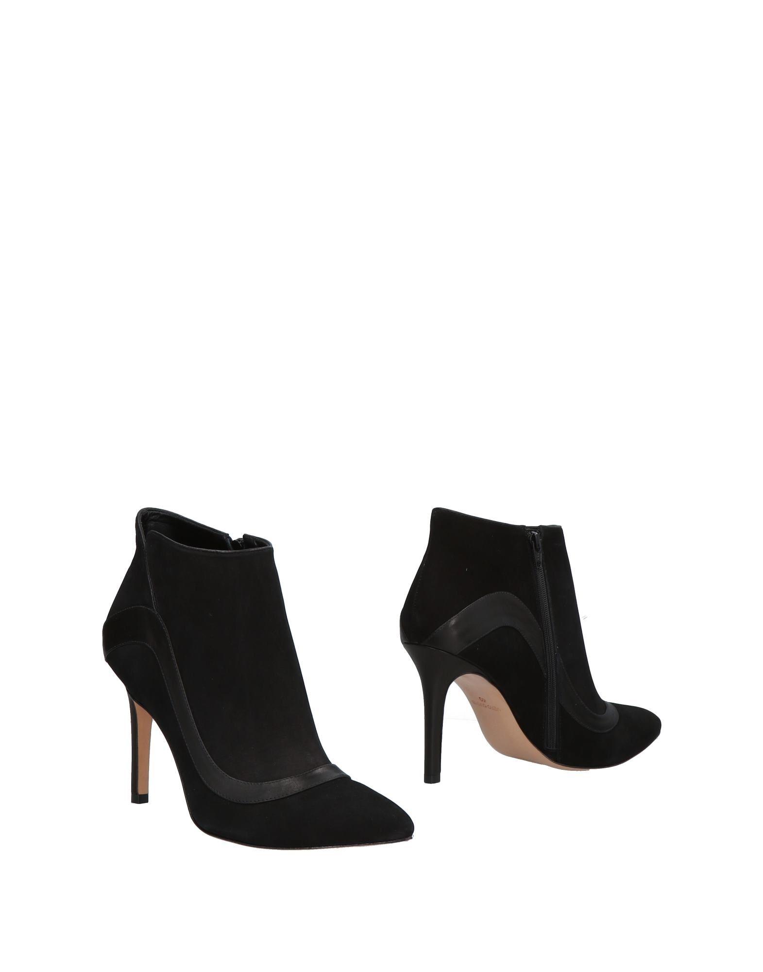 CUOIERIA Полусапоги и высокие ботинки cuoieria сандалии
