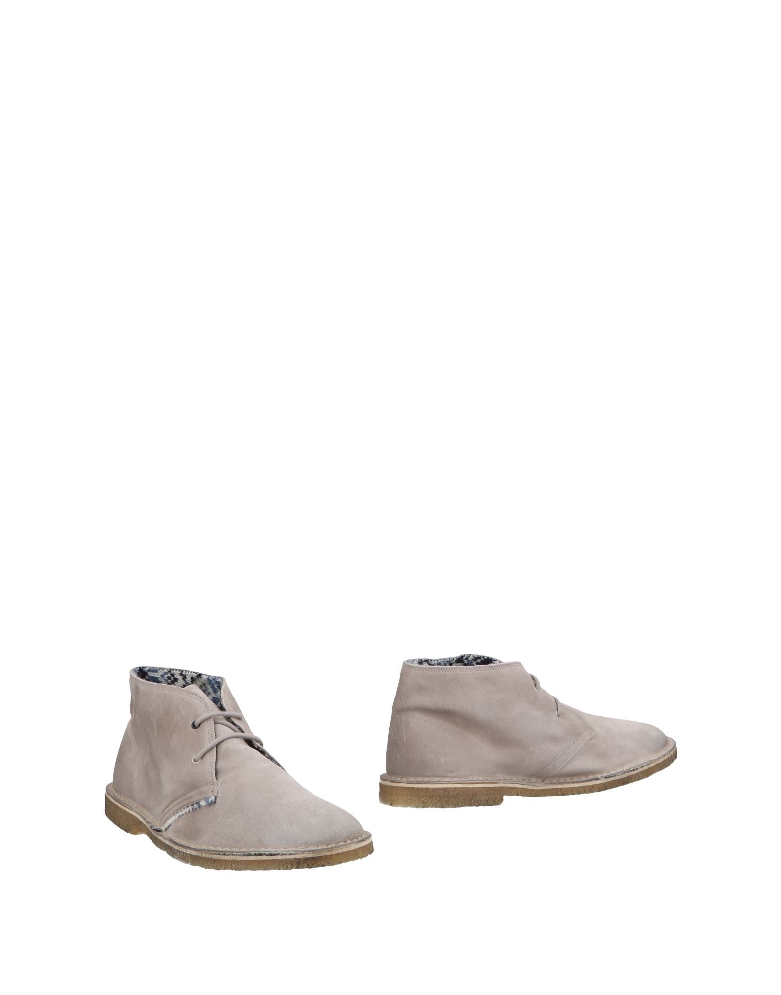 LE CROWN Boots in Light Grey