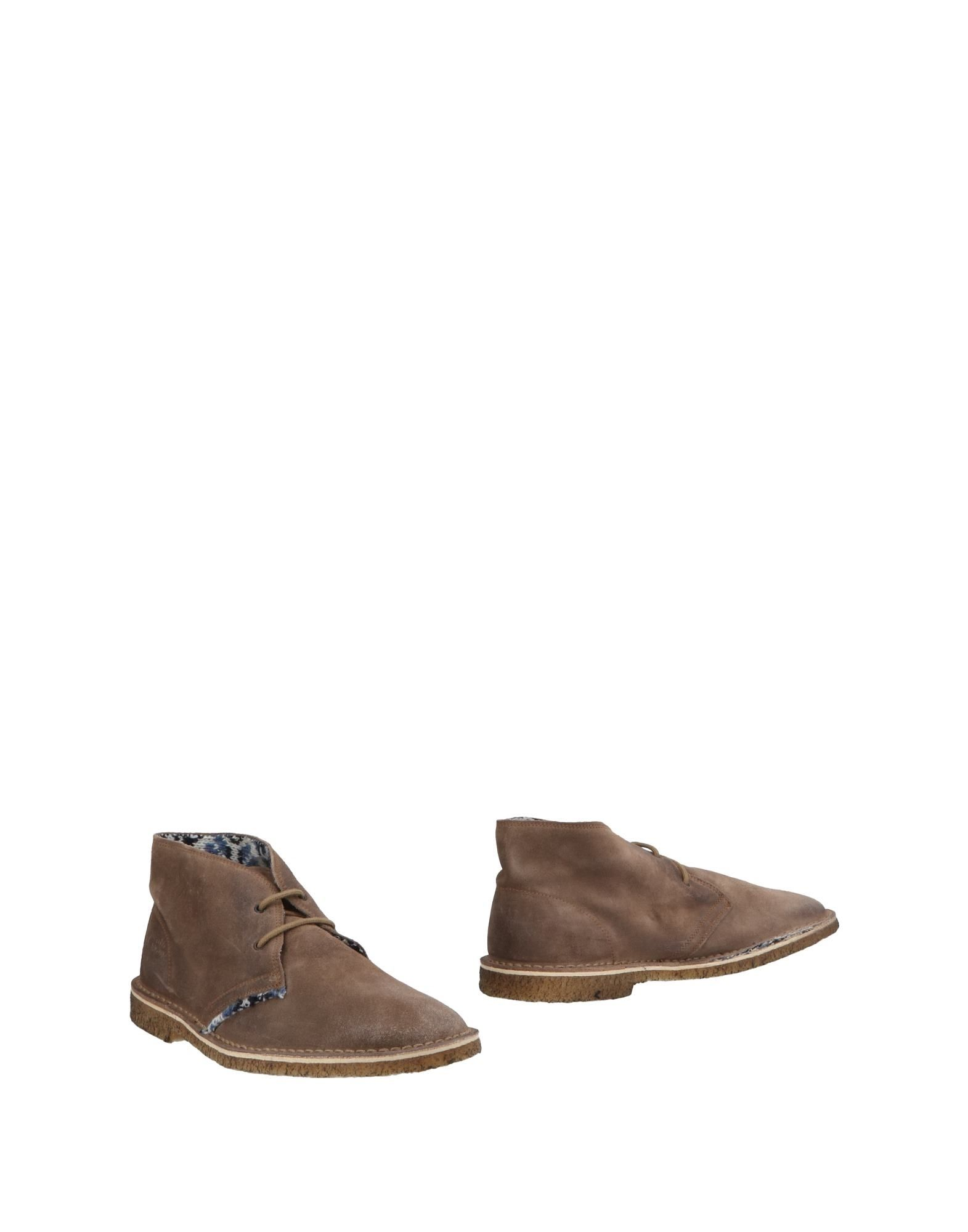 LE CROWN Boots in Dove Grey