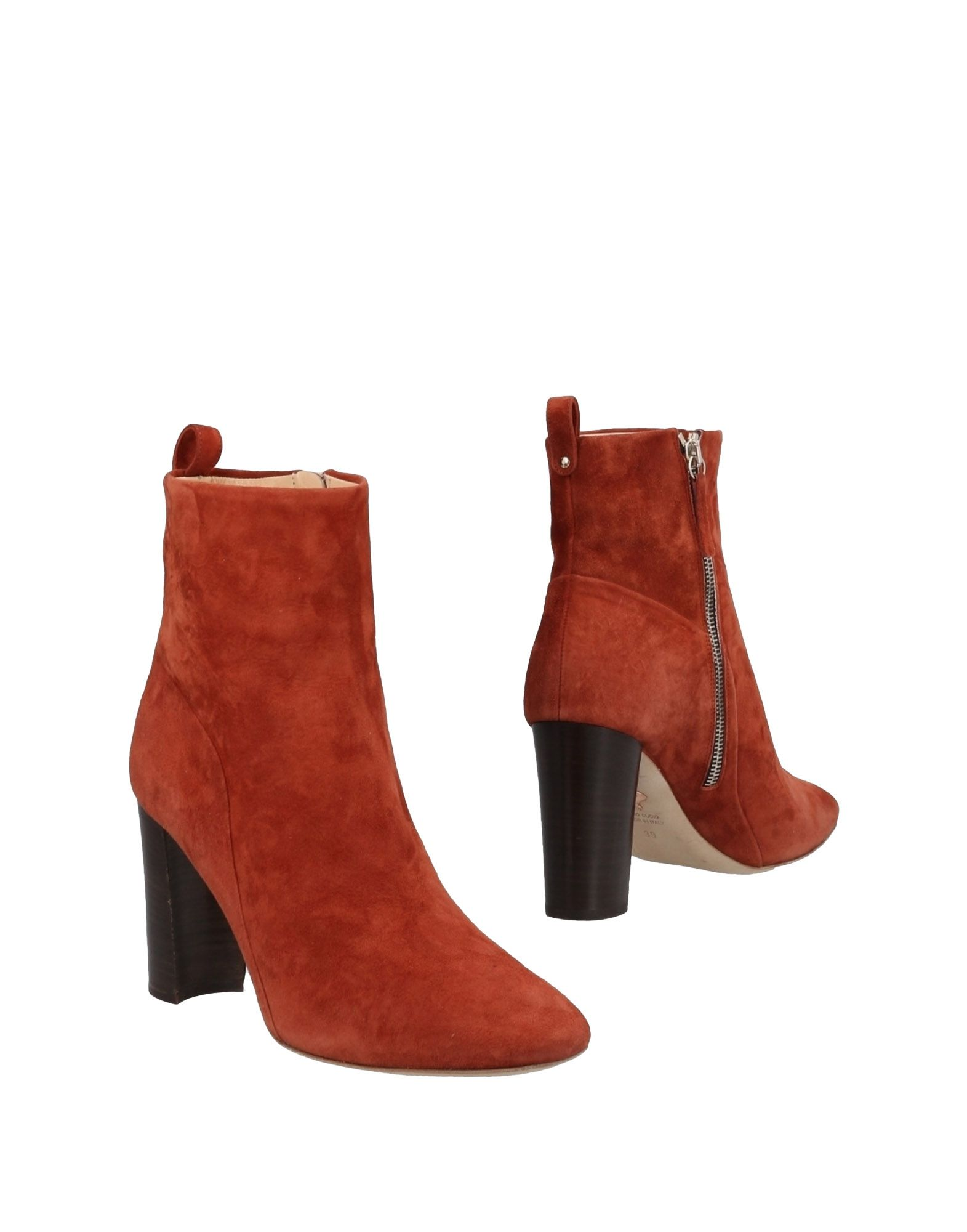 CHELSEA PARIS Ankle Boot in Rust