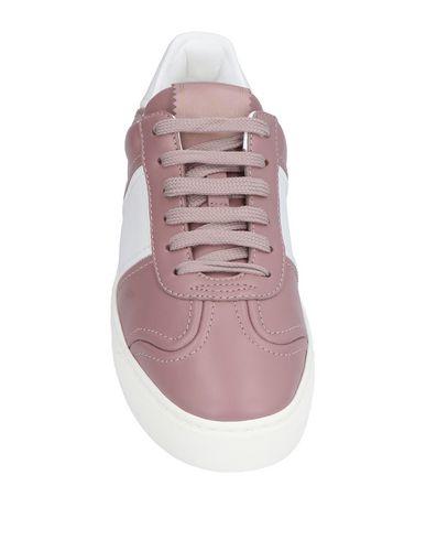 Фото 2 - Низкие кеды и кроссовки пастельно-розового цвета