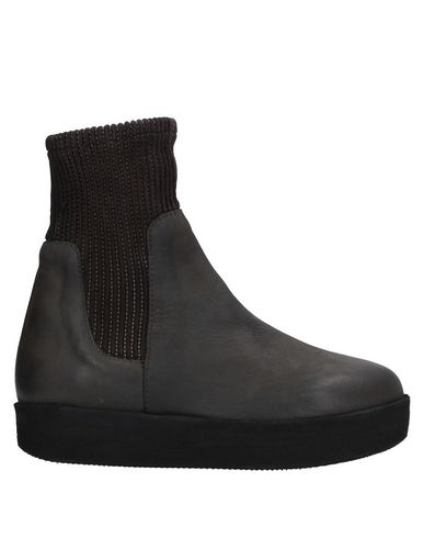 Полусапоги и высокие ботинки